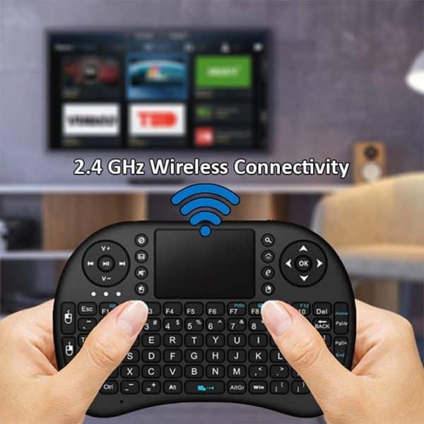 I8 Rechargable Mini Keyboard has wireless connectivity